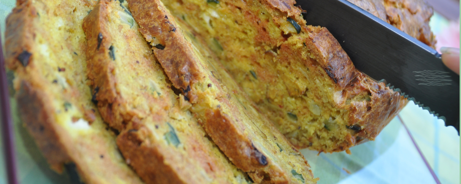 cake-courgette-curry-La-table-de-liz