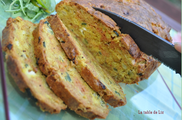 cake-courgette-curry-La-table-de-liz