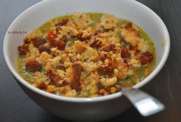 Soupe de courgettes et crumble salé de La-table-de-Liz