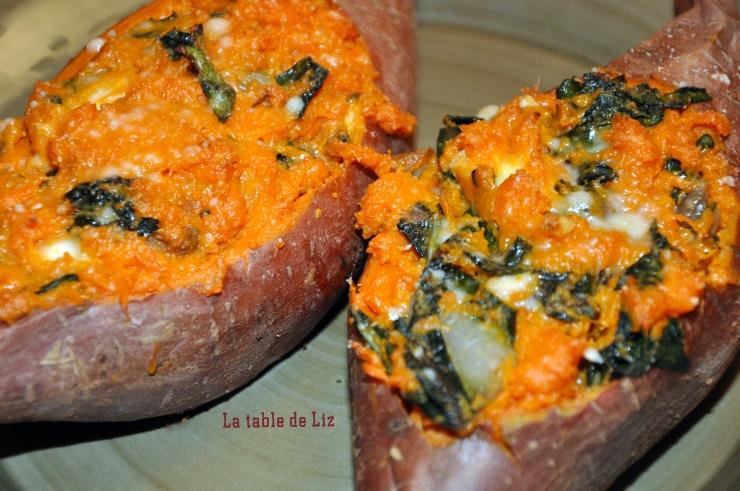 Patates douces farcies aux feuilles de blettes. recette végétarienne de la table de Liz