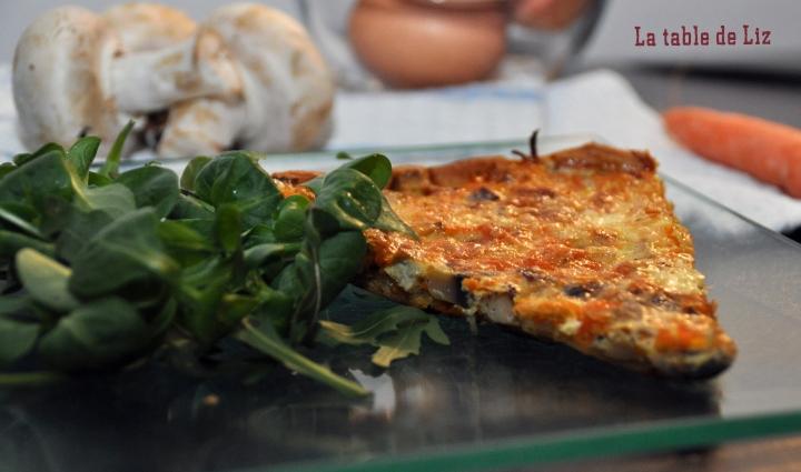 Part de tarte carottes et champignons, recette végétarienne de La Table De Liz